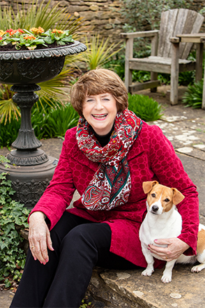 Pam Ayres with Dog